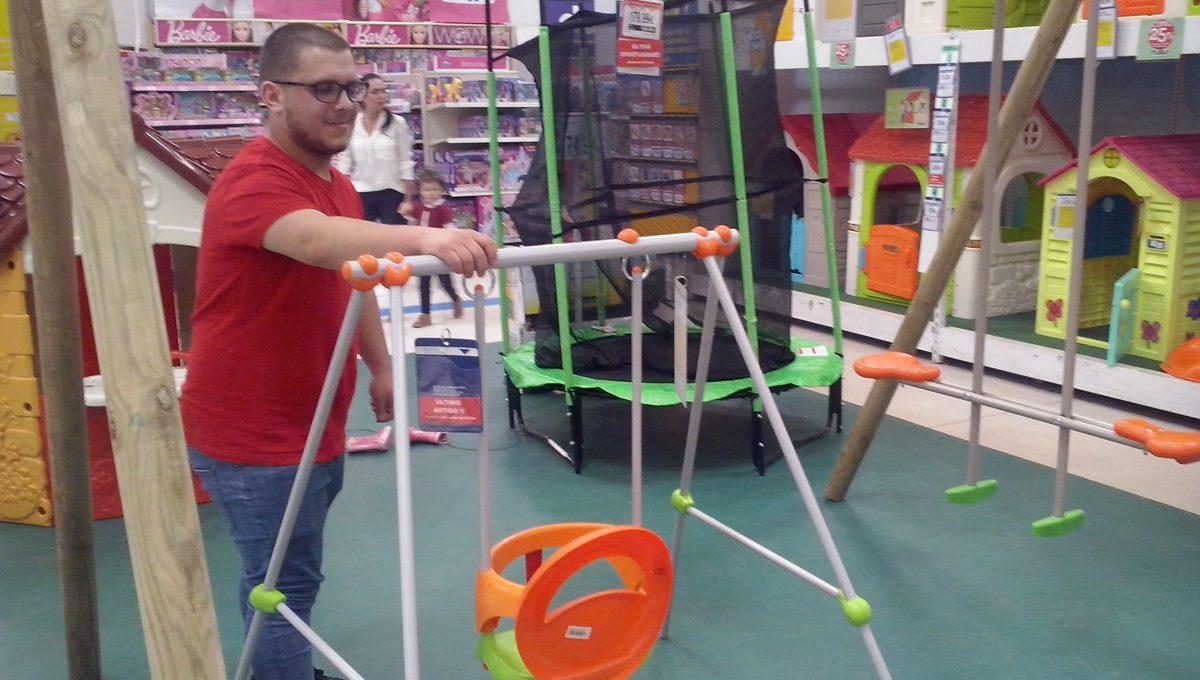 Tiago Teixeira _ Toys-R-Us _ Cascais Shopping
